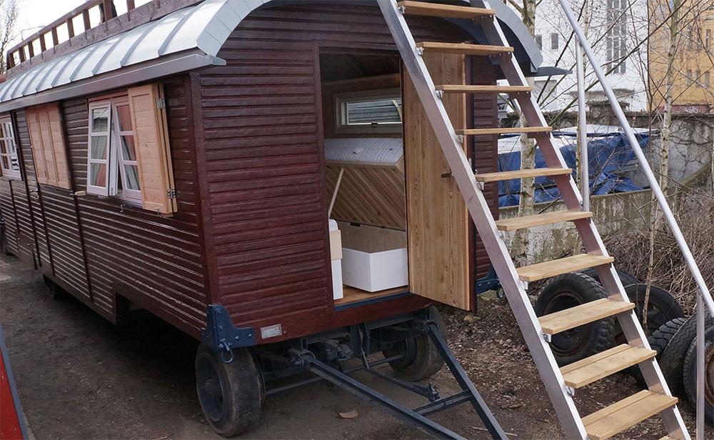 rolling homes wagenbau und restauration von zirkuswagen. Black Bedroom Furniture Sets. Home Design Ideas